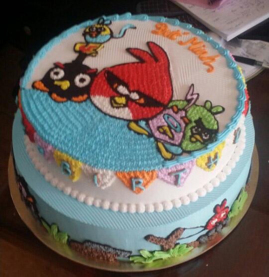 Bánh angry bird  2 tầng mã B1054