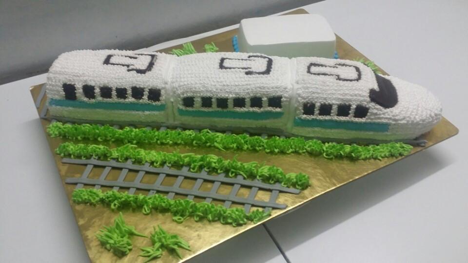 Bánh sinh nhật con tầu Shinkansen B401