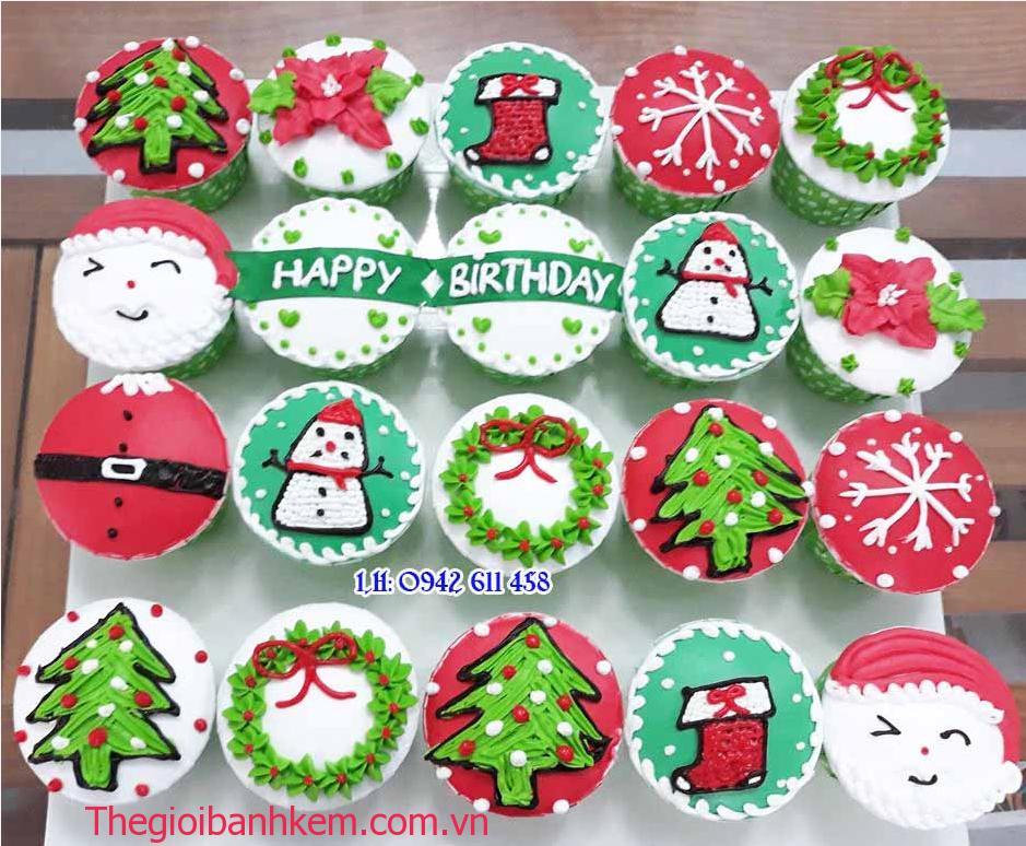 Bánh cupake noel Mã CC55
